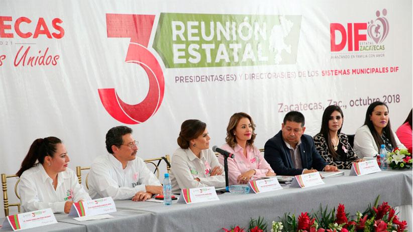 Cristina Rodríguez  de Tello  presidenta del SEDIF  llama a profesionalizar asistencia social para dar mejores resultados a familias zacatecanas