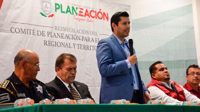 Julio César Chávez es elegido como coordinador de la región 1 de COPLADERT