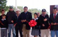 Con inversión superior a los 2.2 mdp  entrega Saúl Monreal domos en Escuelas de Comunidades