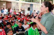 Entrega SEDIF más de 560 lentes a niñas y niños con problemas visuales de Pánfilo Natera y Genaro Codina