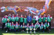 Julio César Chavez convive con deportistas destacados de Guadalupe