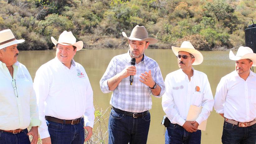Inaugura Gobernador presa en Trinidad García de la Cadena, en beneficio de 2 mil 269 habitantes de la región