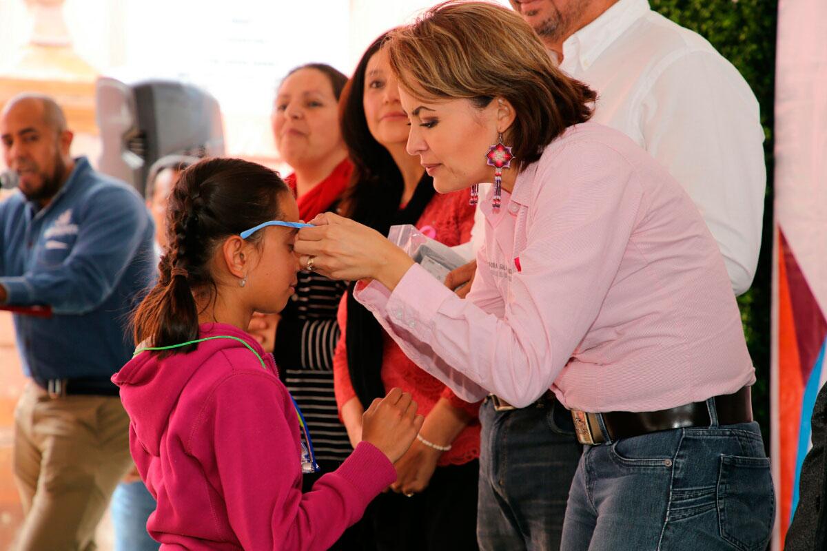 Lleva Gobierno Estatal apoyos y servicios a familias de Monte Escobedo con Feria Diferente