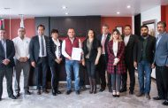 Ayuntamiento de Guadalupe firma convenio con cámaras empresariales.
