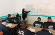 Inician estudios de preparatoria 30 policías de Villanueva