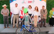 Entregan apoyos en Sombrerete a través del Programa Ferias Diferentes