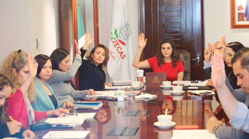 Sesiona Junta de Gobierno del Sistema Estatal DIF