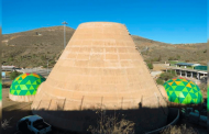 Supervisa construcción de la Casa de la Tierra en el Ecoparque