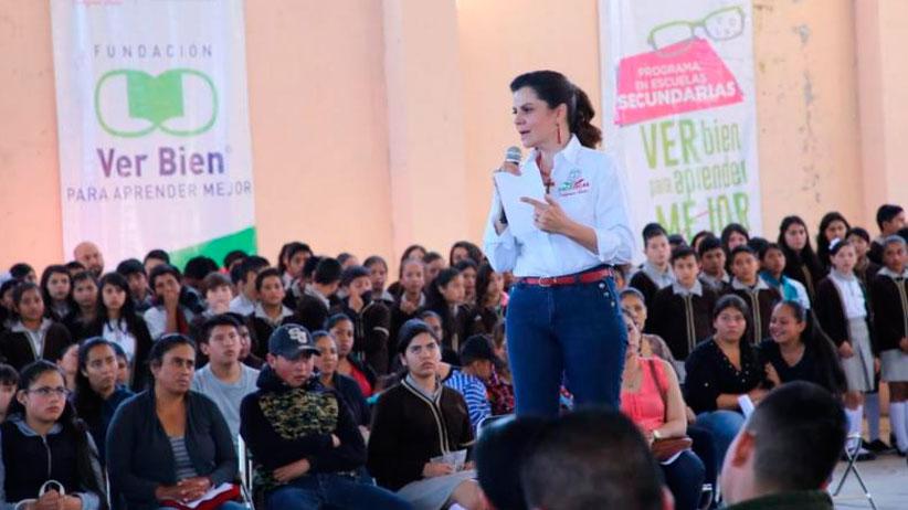 Reciben lentes 240 estudiantes de secundaria de Santa María de la Paz, Tlaltenango y Momax