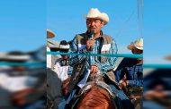 Encabeza cabalgata Gregorio Macías