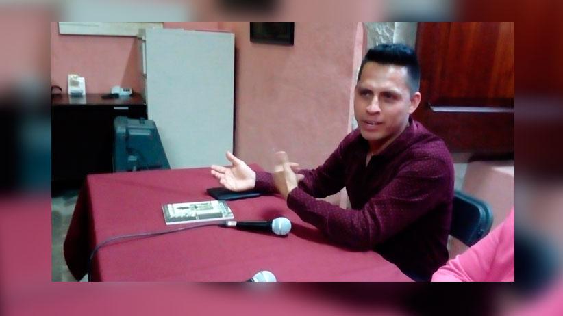 Presentan libro del autor Fresnillense  Roberto Galaviz Ávila