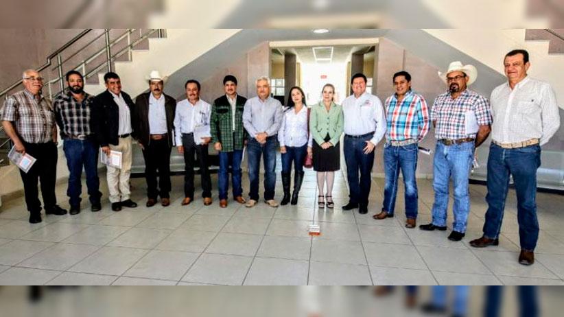 Elva Padilla Flores, Primera Mujer que preside comité de Fomento y Protección Pecuaria