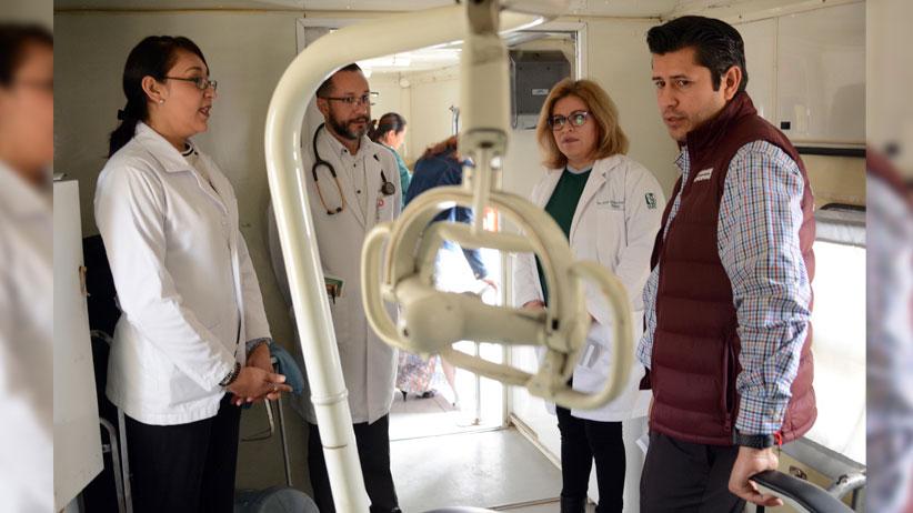 Acerca Julio César Chávez servicios de salud a la ciudadanía