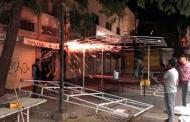 Retiran comerciante estructuras metálicas de zona peatonal