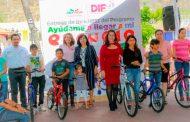 Habitantes de Mezquital del Oro reciben programas y servicios gracias a la Feria Diferente