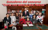 "Video: Premia Alejandro Tello a ganadores del concurso ""Carta con amor a mis Padres"""