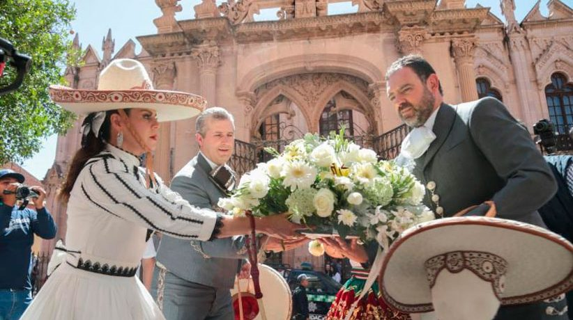 Entre música, fiesta y tradición, encabeza Gobernador cabalgata del sábado de gloria
