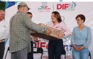300 persona de García de la Cadena reciben lentes gratuitos durante Feria DIFerente