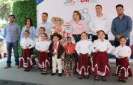 Tlaltenango y su gente reciben servicios y apoyos diversos durante Feria Diferente del SEDIF