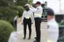 Motociclistas de Policía de Seguridad Vial reciben cascos de seguridad