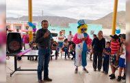 Con Brincolines acuáticos , Payasos y regalos celebran a los niños de Melchor Ocampo en su dia