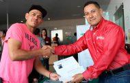 Atiende Secretario del Zacatecano Migrante a ciudadanos de municipios en Audiencia Pública