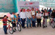 Beneficia Feria Diferente a habitantes de Joaquín Amaro, con apoyos y servicios gubernamentales