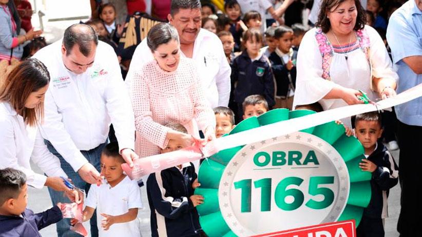 Lleva Gobierno del Estado equipamiento para comedores y pisos firmes a escuelas de Genaro Codina