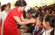 Más de 900 estudiantes de 5 municipios recibieron lentes gratuitos