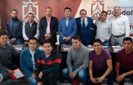 Promueve Julio César Chávez la profesionalización deportiva en Guadalupe