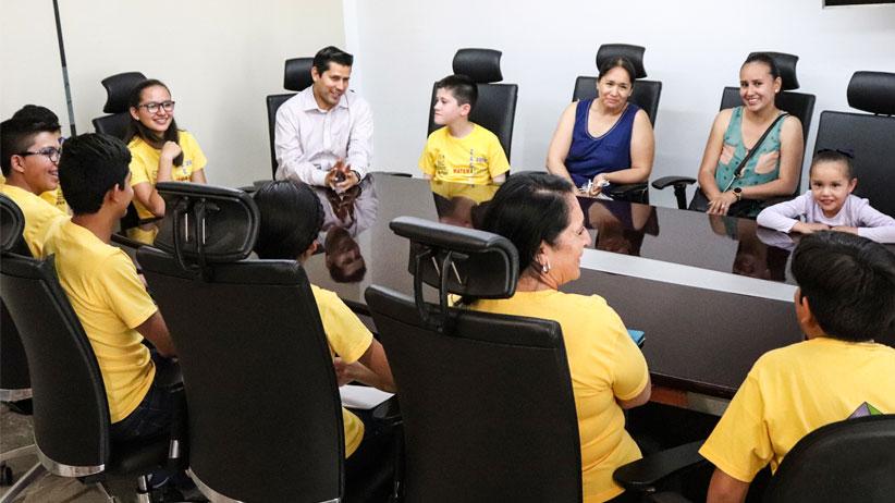 Julio César Chávez fomenta y respalda las actividades educativas en el municipio