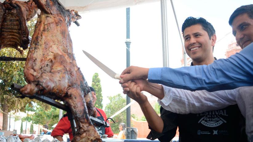 Promueve Julio César Chávez economía local y convivencia familiar