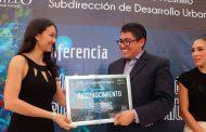 Reconoce Saúl Monreal el mérito de Fuensanta Martínez Rucobo con el mural: mi país, mi gente,mi Fresnillo