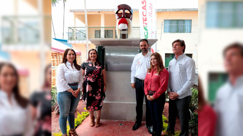 En reconocimiento a su aportación a Zacatecas, instaura Gobernador Día del Migrante Apozolense