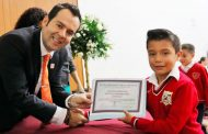 Refrenda Ulises Mejía Haro trabajo en favor de la Educación