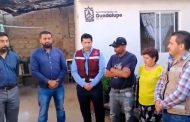 Video: Julio César Chávez entrega una docena de cuartos en Zoquite