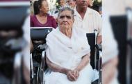 Celebra Miguel Torres a los Abuelitos en su día