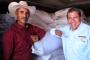 En Fresnillo y Valparaíso, David Monreal dio inicio a la distribución de 3 mil toneladas de semilla de avena