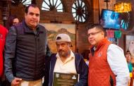 Entregan reconocimiento por antigüedad a trabajadores de la Secretaría de Obras Públicas