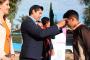Entrega Julio César Chávez lentes  a estudiantes de telesecundaria