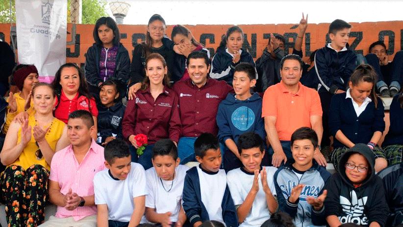 Quien está preparado tiene mejores oportunidades:  Julio César Chávez