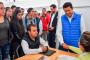 Julio César Chávez acerca ofertas de empleo  a universitarios
