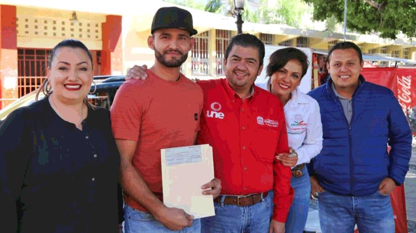 Con UNE Equipa tu Hogar, SEDESOL entrega estufas ecológicas en el sur del estado