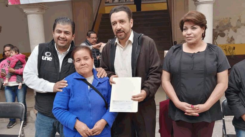 Entregan apoyos de la estrategia UNE en Villanueva
