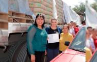 Reciben habitantes de Apozol paquetes para mejoramiento de vivienda
