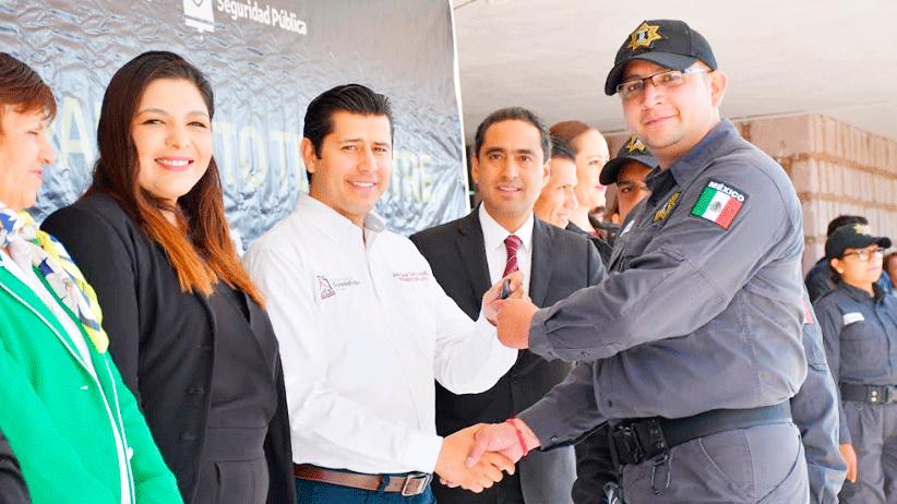 Entrega Julio César Chávez cinco patrullas  a la Policía Preventiva