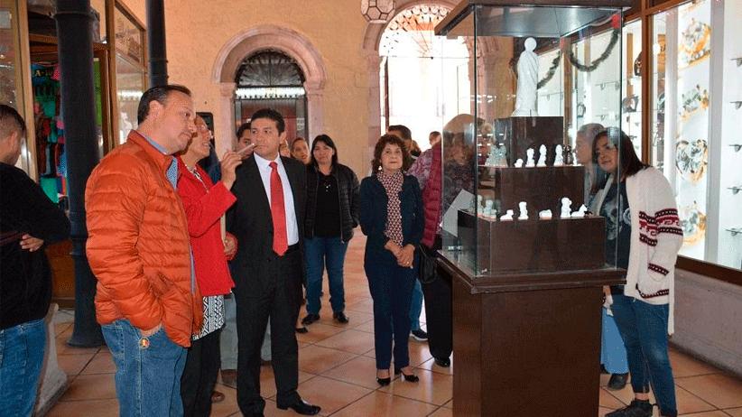 Inauguran exposición de piezas de Cerámica Tierra Santa
