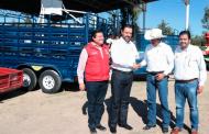 Gobernador Alejandro Tello entrega apoyos a pobladores de Gral. Fco. R. Murguía