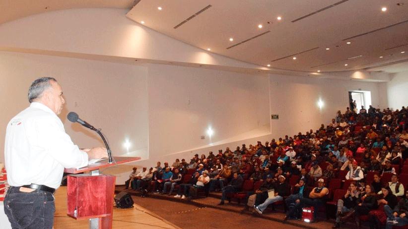 Capacita Gobierno de Zacatecas a 700 jornaleros agrícolas que irán a trabajar a Canadá este año