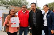 Entregan apoyos del Programa UNE a habitantes de Villanueva